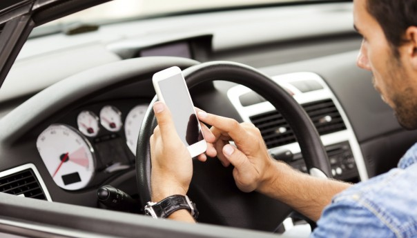 5 Apps that Can Save Your Life on the Road