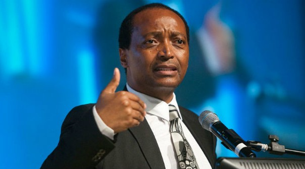 South African Billionaire Patrice Motsepe makes his contribution towards the fight against Ebola