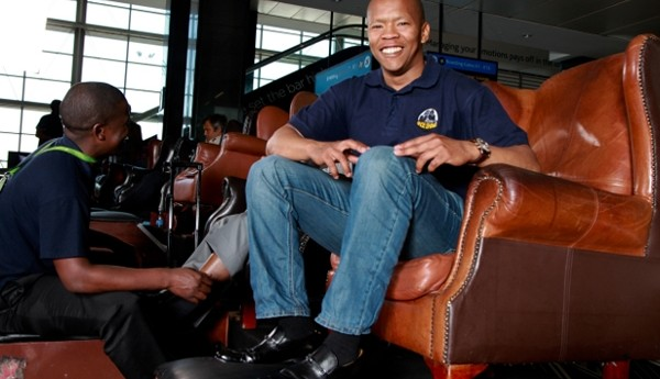 Lere Mgayiya is Making Millions from Shining Shoes at Airports
