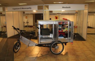 MoveeCom: SA's Mobile Internet Cafe