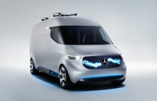 Emission-free delivery vehicles for the courier service: Strategic partnership: Hermes to deploy 1500 Mercedes-Benz Sprinter and Vito with electric drive